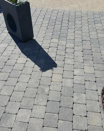 Nettoyage des pavés autobloquants